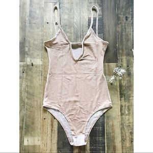 Velvet dreams tank v neck Bodysuit ❤️ S/M